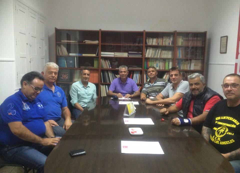 Tomás Pérez se reúne con moteros de Gran Canaria