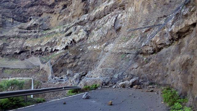 Derrumbe en la GC200 en el Andén Verde