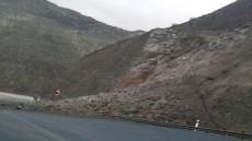 Desprendimientos en la carretera nueva