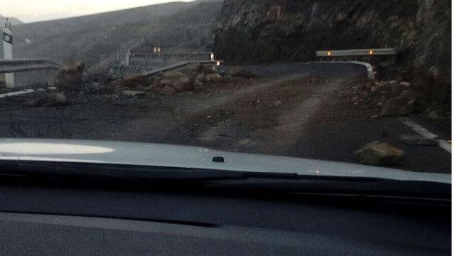 Desprendimientos en Faneque - Carretera
